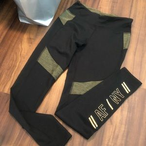 Abercrombie and Fitch green and black leggings S